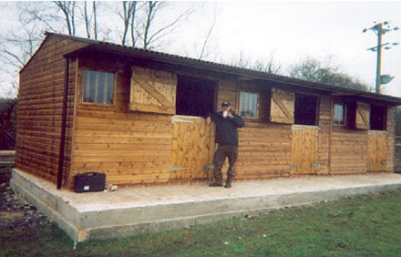 Several cups of tea later that same day – ready to use standard block of three stables. See previous photo.