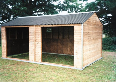 Mobile field shelter 6m x 3.3m with double opening suitable for 2-3 horses or ponies. Note the optional galvanised protection and sliding vent to promote air movement. All shelters have heavy duty ply internal kickboard linings.