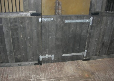 Heavy reversible hinges and robust timbers stained in black were used to create the required effect. (Brown stain optional).