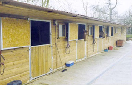 Similar specifications to previous stables but with sliding front windows and galvanised grilles.